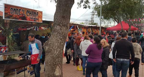 San Nicolás extiende actividad de ramaderos en plaza de armas 58e79ce5def