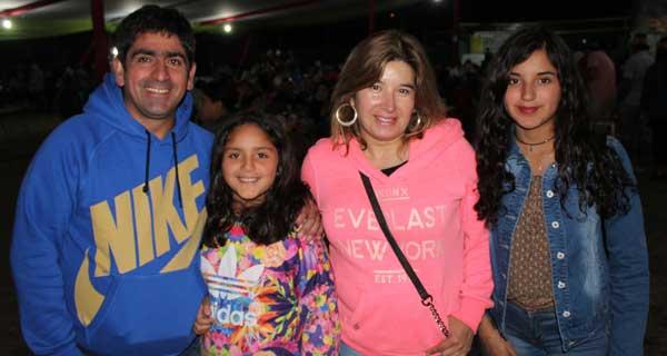 Miguel Martínez, Josefina Martínez, Vilma Montesinos y Fernanda Cortez