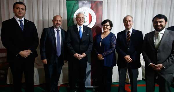 Aldo Palavecino, José Perotti, Carlos Casanova, Ingrid Capponi, Jaime Stagno y Rodrigo Lagno.