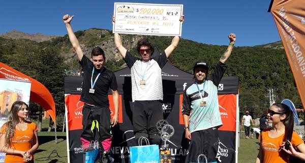 Alejandro Caerols (segundo lugar), Milton Contreras (primer lugar) y Dilan Gübelin (tercer lugar).
