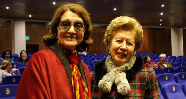 Ana Gloria Valenzuela y Bessie León.
