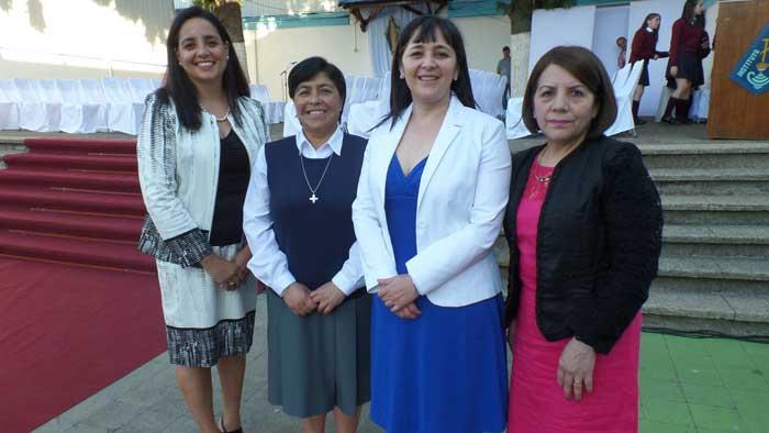 María Olga Alarcón, hermana Nelly Parada, Angélica Caro y Gloria del Valle.