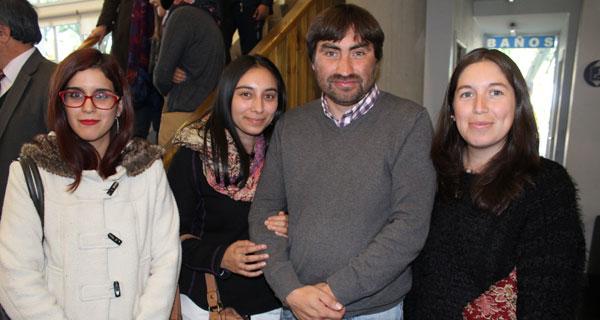 Carla Bello, Elizabeth Muñoz, Joel Garrido y Ela Feriz.